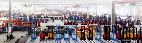 فروش ویژه ماشین آلات انبارداری